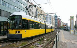 Rosa-Luxemburg-Platz lijnM8 GT6N