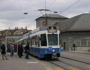 Bahnhof Enge lijn5 Tram2000