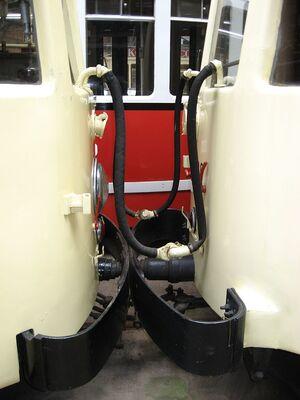 NMVB tram koppeling