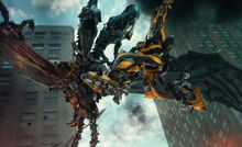 Transformers-4-age-of-extinction-movie-strafe-670