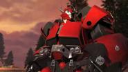 Prime-cliffjumper-s01e01-2