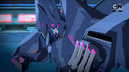 Cyclonus' disguise is gone