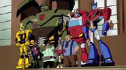 Autobotit ja heidän ihmis-ystävät.