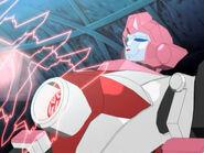 Arcee shoot the Energon Star