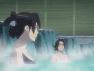 Lori ja Suzuki professori Suzuki kylpemässä.