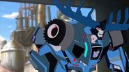 Transformers Robots in Disguise 2015 S01 E14 Side2131312