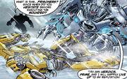 Dotm-bumblebee&soundwave-comic-titanmags-1