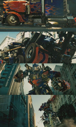 Movie OptimusPrime citytransformjump
