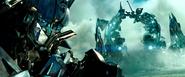 Dotm-optimusprime-film-weaponrack
