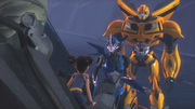 Autobots saving Fowler (TFP)