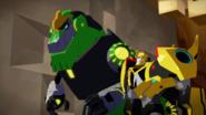 Bumblebee & Grimlock (S1E22)