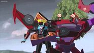 Clampdown holding Windblade