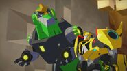 Grimlock and Bumblebee (After Victory)
