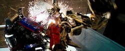 Optimus is killing Bonecrusher