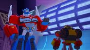 Optimus speaks to Hot Shot