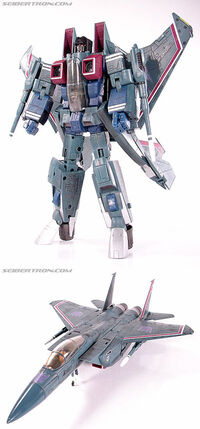 MasterpieceStarscream toy