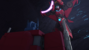 Combiner Wars The Duel Optimus Prime Windblade 2