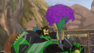 Perfect short Grimlock with flowers