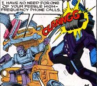 Soundwave gets it in the face