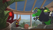 Grimlock & Scowl Start Fighting Again