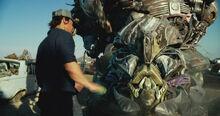 Transformers.The.Last.Knight.2017.BDRip-AVC.RUS.stalkerok.new-team 20180815-23544222