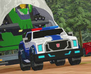 OutOfFocus Strongarm towing Grimlock