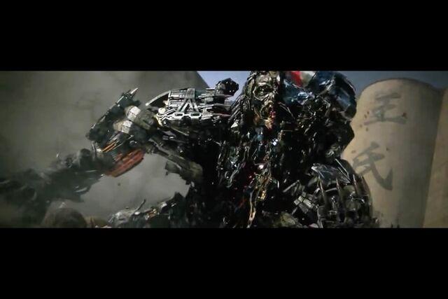 File:Optimus Prime Slays Lockdown.jpeg