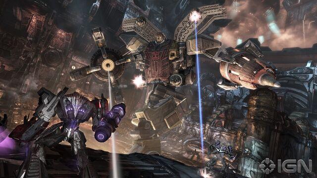 File:Wfc-megatron&omegasupreme-game-battle-2.jpg