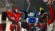 Sideswipe, Windblade and Strongarm meet again