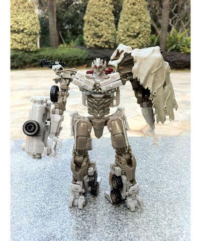 File:Transformers-3-megatron-toy.jpg