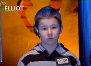 Elliot (S3EP03)