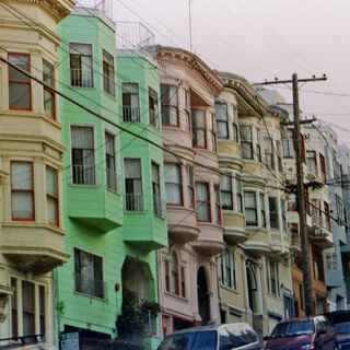 A very classic example of the colorful Victorian style apartments that abound in San Francisco.