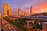 800px-Bangkok skytrain sunset