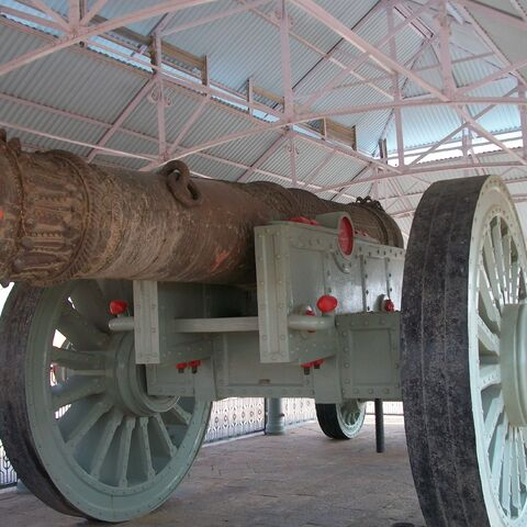 Jaivana cannon the worlds largest wheel cannon in Jaigarh Fort, Jaipur.