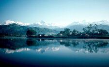 800px-Pokhara and Phewa Lake