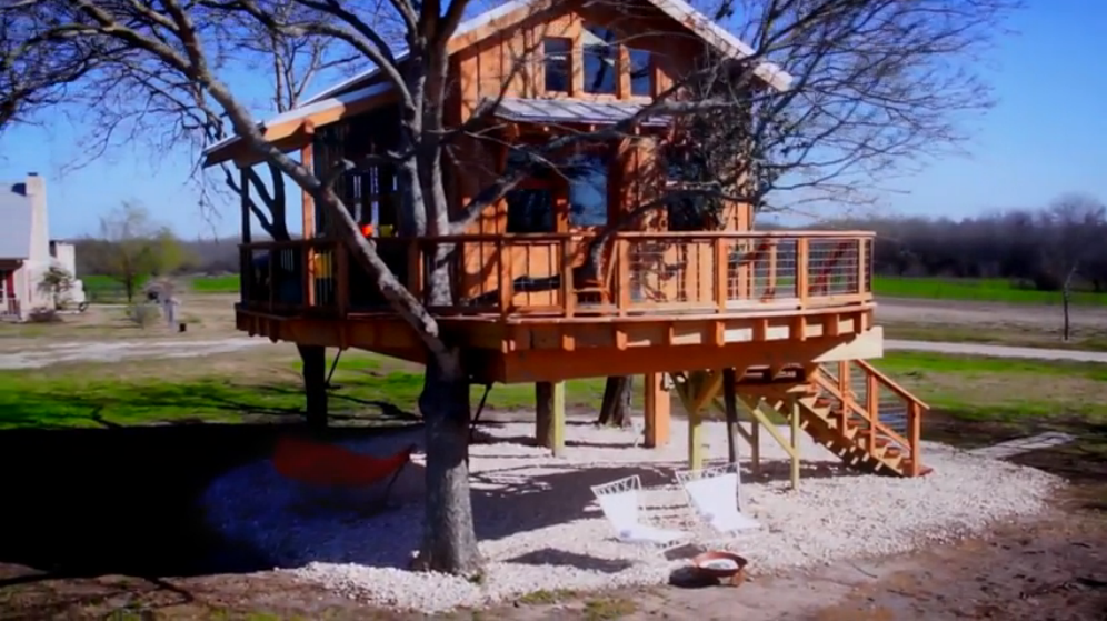 Twenty Ton Texas Treehouse