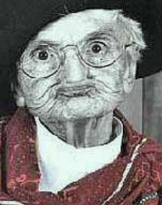 File:Funny old woman 4.jpg
