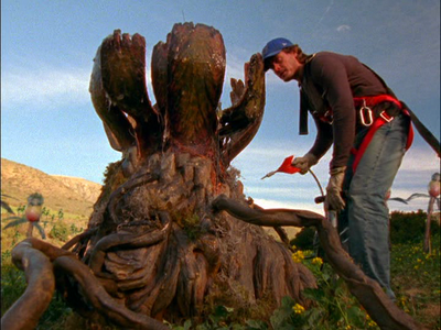 Tremors-The-Series-killer-plant-Victor-Browne