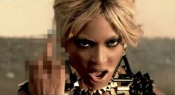 Beyonce-run-the-world-girls-video-middle-finger