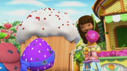 This wondeful cupcake is for Berrykin Bloom, guys