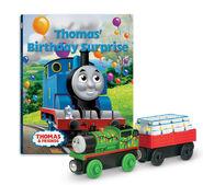 WoodenRailwayThomas'BirthdaySurpriseBookPack