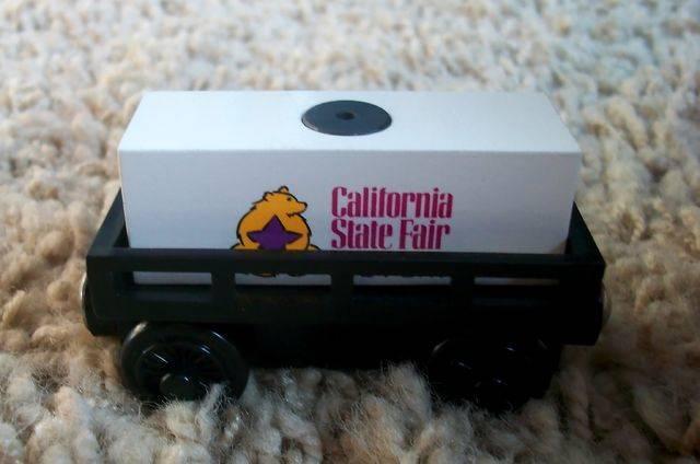 File:WoodenRailwayCaliforniaStateFairCargoCar.jpg