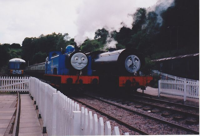 File:Thomas, Wilbert and Daisy at the DFR in 1998.jpg