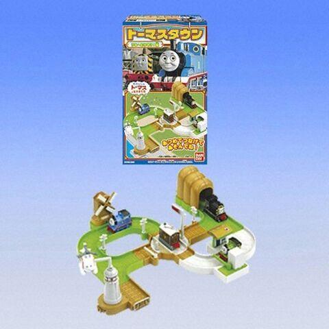 File:BandaiThomasTown2005series.jpg
