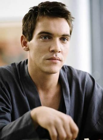 File:Johnathan Rhys Meyers.jpg