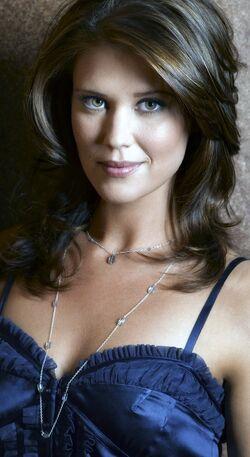Sarah Lancaster 10