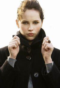 Felicity Jones 3
