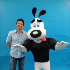 Butch Hartman with Dudley puppy at Comic-Con 2012.
