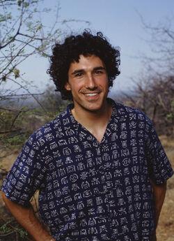 Tim S16 contestant