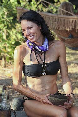 Amanda S32 Contestant
